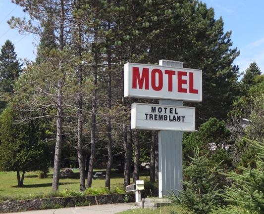 motel tremblant at mont tremblant laurentians quebec. Black Bedroom Furniture Sets. Home Design Ideas
